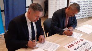 golecin podpisanie umowy fot. umww2 300x169 - Poznań: Dodatkowe pieniądze na stadion na Golęcinie. Od marszałka