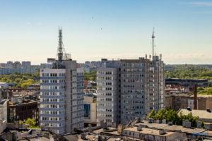 hotel altus miasto poznan fot. slawek wachala 1047 300x200 - Poznań: Widok z góry na Święty Marcin. I o wiele dalej!