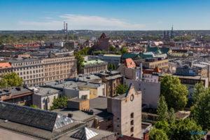 hotel altus miasto poznan fot. slawek wachala 1059 300x200 - Poznań: Widok z góry na Święty Marcin. I o wiele dalej!