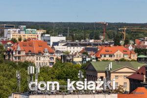 hotel altus miasto poznan fot. slawek wachala 1123 300x200 - Poznań: Widok z góry na Święty Marcin. I o wiele dalej!