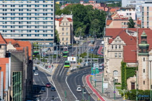 hotel altus miasto poznan fot. slawek wachala 1141 300x200 - Poznań: Widok z góry na Święty Marcin. I o wiele dalej!