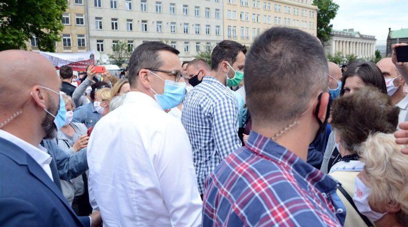 mateusz morawiecki na placu wolnosci3 800x445 - Mateusz Morawiecki w Wielkopolsce