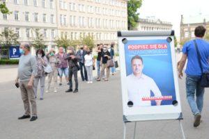 obchody 4 czerwca fot. k. adamska 2 300x200 - Poznań: Toast dla Wolności - na placu Wolności