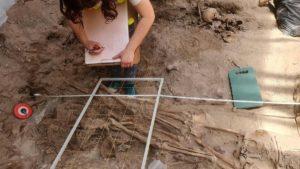 plac kolegiacki 4 fot. ump 300x169 - Poznań: Kolejne odkrycia archeologów na placu Kolegiackim