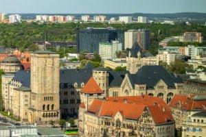 poznan z poziomu dachu. ataner ul. towarowa 39 fot. slawek wachala 10 300x200 - Poznań: Jeden z najwyższych budynków w Poznaniu. Jaki jest z niego widok?