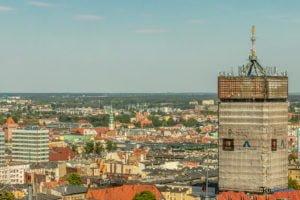 poznan z poziomu dachu. ataner ul. towarowa 39 fot. slawek wachala 12 300x200 - Poznań: Jeden z najwyższych budynków w Poznaniu. Jaki jest z niego widok?