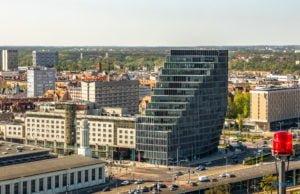 poznan z poziomu dachu. ataner ul. towarowa 39 fot. slawek wachala 2 300x194 - Poznań: Jeden z najwyższych budynków w Poznaniu. Jaki jest z niego widok?