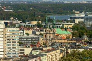 poznan z poziomu dachu. ataner ul. towarowa 39 fot. slawek wachala 5 300x200 - Poznań: Jeden z najwyższych budynków w Poznaniu. Jaki jest z niego widok?