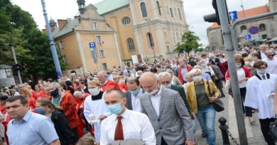 Poznań: Coraz więcej wystąpień z Kościoła