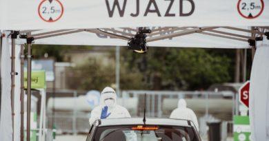08.06.2020 - Poznan Test & Go Pobieranie wymazow Koronawirus 12 WBOT Fot. DWOT
