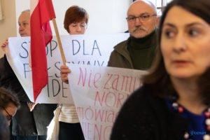 sesja rady miasta fot. s. wachala1 300x200 - Poznań: Policja szuka mężczyzny, który groził radnym. Czy go znasz?