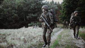 sonda 4 fot. 12wbot 300x169 - Wielkopolska: Terytorialsi walczą o stopnie podoficerskie