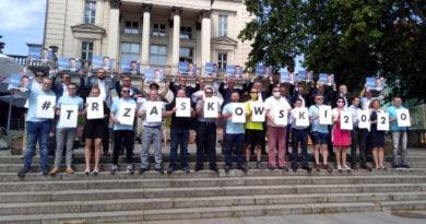 Kogo Polacy uważają za lidera opozycji?