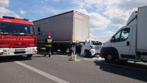 wypadek 7 fot. osp tarnowo podgorne 300x169 - Poznań: Wypadek w Rumianku. Są ranni