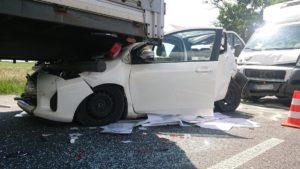 wypadek 8 fot. osp tarnowo podgorne 300x169 - Poznań: Wypadek w Rumianku. Są ranni