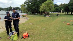 bezpieczenstwo nad woda fot. policja5 300x169 - Poznań: Policja przypomina o bezpieczeństwie podczas wypoczynku