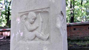 cmentarz na cytadeli fot. ump4 300x169 - Poznań: Cmentarz na Cytadeli odzyskuje blask
