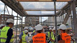 dach rynek lazarski fot. ump3 300x169 - Poznań: Na Rynku Łazarskim montują dach!