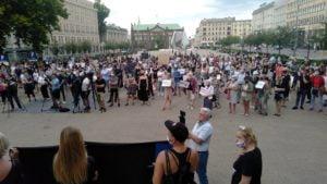 Demonstracja przeciwko wypowiedzeniu Konwencji antyprzemocowej