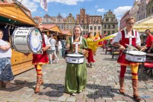 jarmark swietojanski parada fot. slawek wachala 6357 300x200 - Poznań: Gwardia Gryfa na rozpoczęcie Jarmarku Świętojańskiego