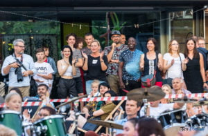 """koncert charytatywny mamy sile by pomagac joanna dudkowska band feat chuck frazier goscie fot. slawek wachala 1069 300x197 - Poznań: Koncert Charytatywny """"Mamy Siłę, by Pomagać"""""""