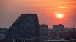 miasto poznan fot. slawek wachala 16 300x168 - Poznań: Widok z dachów wieżowców na Piekarach