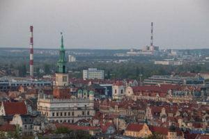 miasto poznan fot. slawek wachala 17 300x200 - Poznań: Widok z dachów wieżowców na Piekarach