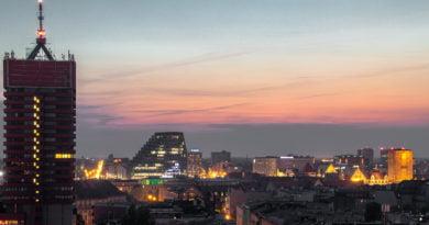 Poznań: Widok z dachów wieżowców na Piekarach