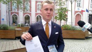 mloda prawica podwyzki cen biletow2 300x169 - Poznań: Młoda Prawica poszła do prezydenta. Z kalkulatorem