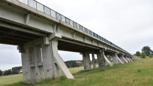 most w rogalinku fot. wzdw1 300x169 - Rogalinek: Za dwa lata pojedziemy nowym mostem przez Wartę