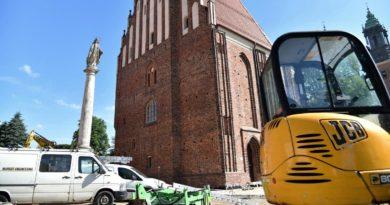 Poznań: Prace przy palatium Mieszka I i Dobrawy idą pełną parą