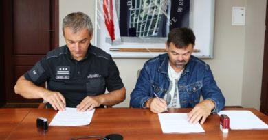 podpisanie umowy fot. ZK Wronki