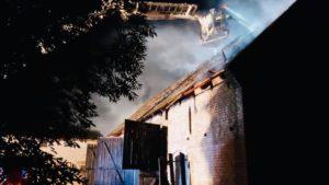 pozar fot. osp wagrowiec 300x169 - Wągrowiec: Tak się pokłócił z synem, że... spalił mu stodołę