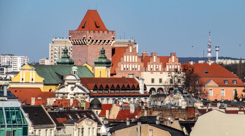 Poznań ponad dachami z WCO przy Garbarach fot. Sławek Wąchała