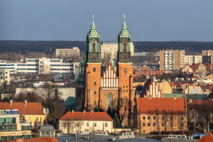 poznan ponad dachami. zamek przemysla fot. slawek wachala 4326 300x200 - Poznań z dachu zamku Przemysła