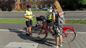 rowerzysci fot. smmp3 300x169 - Poznań: Straż miejska przypominała rowerzystom o bezpieczeństwie