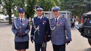 sierz. m. wawrzyniak fot. policja3 300x169 - Śrem: Sierżant Martyna Wawrzyniak uhonorowana Krzyżem Zasługi za Dzielność