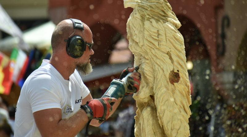 Jarmark Świętojański Speed Wood Carving fot. Przemysław Łukaszyk