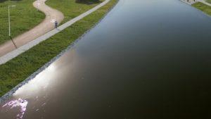 warta brzegi po remoncie fot. ump3 300x169 - Poznań: Rusza remont betonowych brzegów Warty