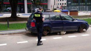 wraki fot. smmp2 300x169 - Poznań: Kolejne wraki zniknęły z ulic miasta