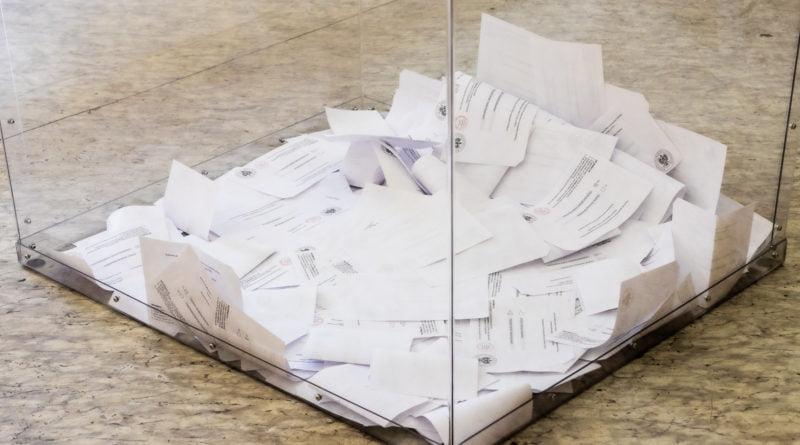 Wybory Prezydenckie II tura lokal wyborczy Poznań os. Rusa fot. Sławek Wąchała