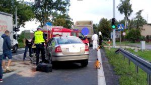 wypadek 2 fot. policja 300x169 - Szamotuły: Kierowca wjechał w tył ciężarówki