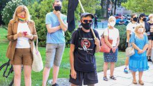 demonstracja przeciw przemocy fot. s. wachala8 300x169 - Poznań: Wspólnie przeciwko przemocy