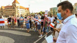 demonstracja solidarni z bialorusia fot. s. wachala10 300x169 - Poznań: Solidarni z Białorusią