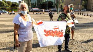demonstracja solidarni z bialorusia fot. s. wachala11 300x169 - Poznań: Solidarni z Białorusią