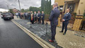 droga w woli laszczowej fot. wuw3 300x169 - Konin: Wojewoda otworzył nową drogę w Woli Łaszczowej