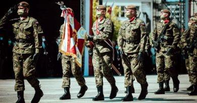 Kompania honorowa 12 Wielkopolskiej brygady WOT fot. DWOT