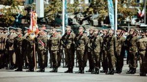 kompania honorowa fot. dwot2 300x169 - Wielkopolscy terytorialsi na centralnych obchodach setnej rocznicy Bitwy Warszawskiej