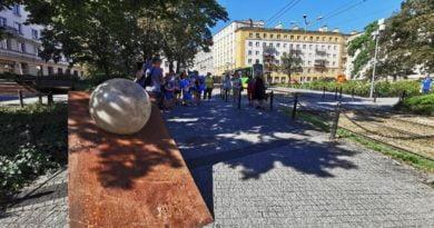 nowa rzeźba, plac Cyryla Ratajskiego fot. UMP