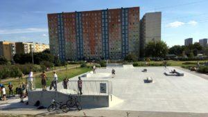 nowy skatepark fot. jacek tomaszewski rop2 300x169 - Poznań: Budowa skateparku w parku Śmiałego-Batorego na Piątkowie zakończona!